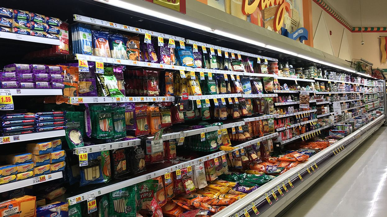 85,000 Petition Supermarket Giant to Open Plastic-Free Aisle