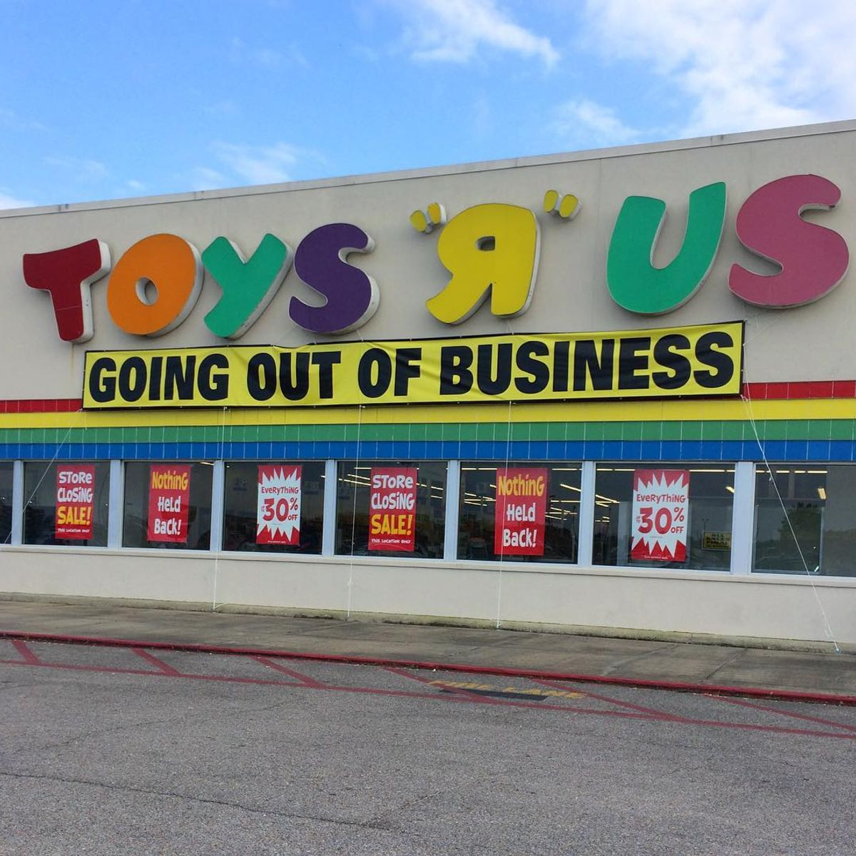Say Your Final Goodbyes To Toys 'R' Us