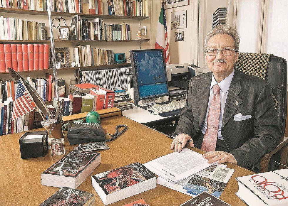 Il  re dei critici cattolici: «Trasformano la Chiesa in una Onlus»