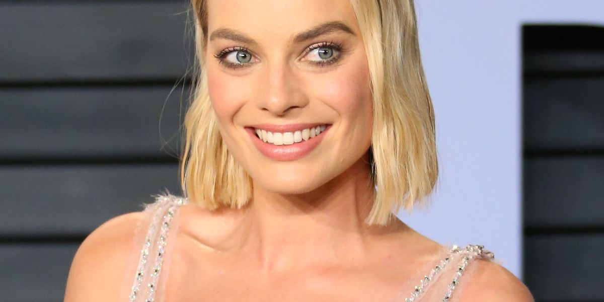Karl Lagerfeld Does For Margot Robbie What the Oscars Couldn't