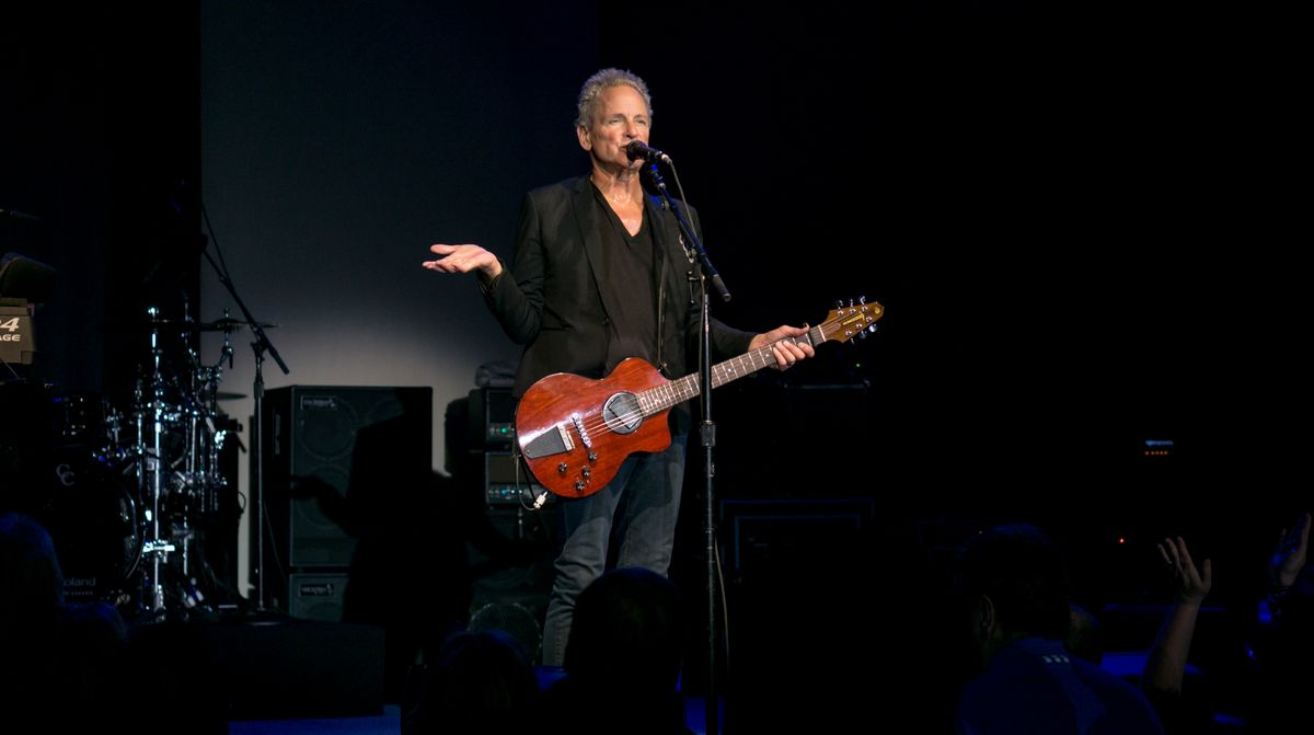 Lindsey Buckingham Is Out Of Fleetwood Mac And I Have A Lot Of Feelings About It