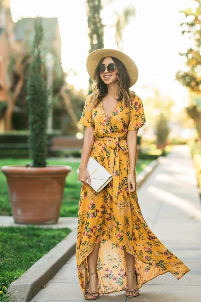 faa9a3710a8c7 What to wear to a baby shower—whether you're a guest or the mama-to ...