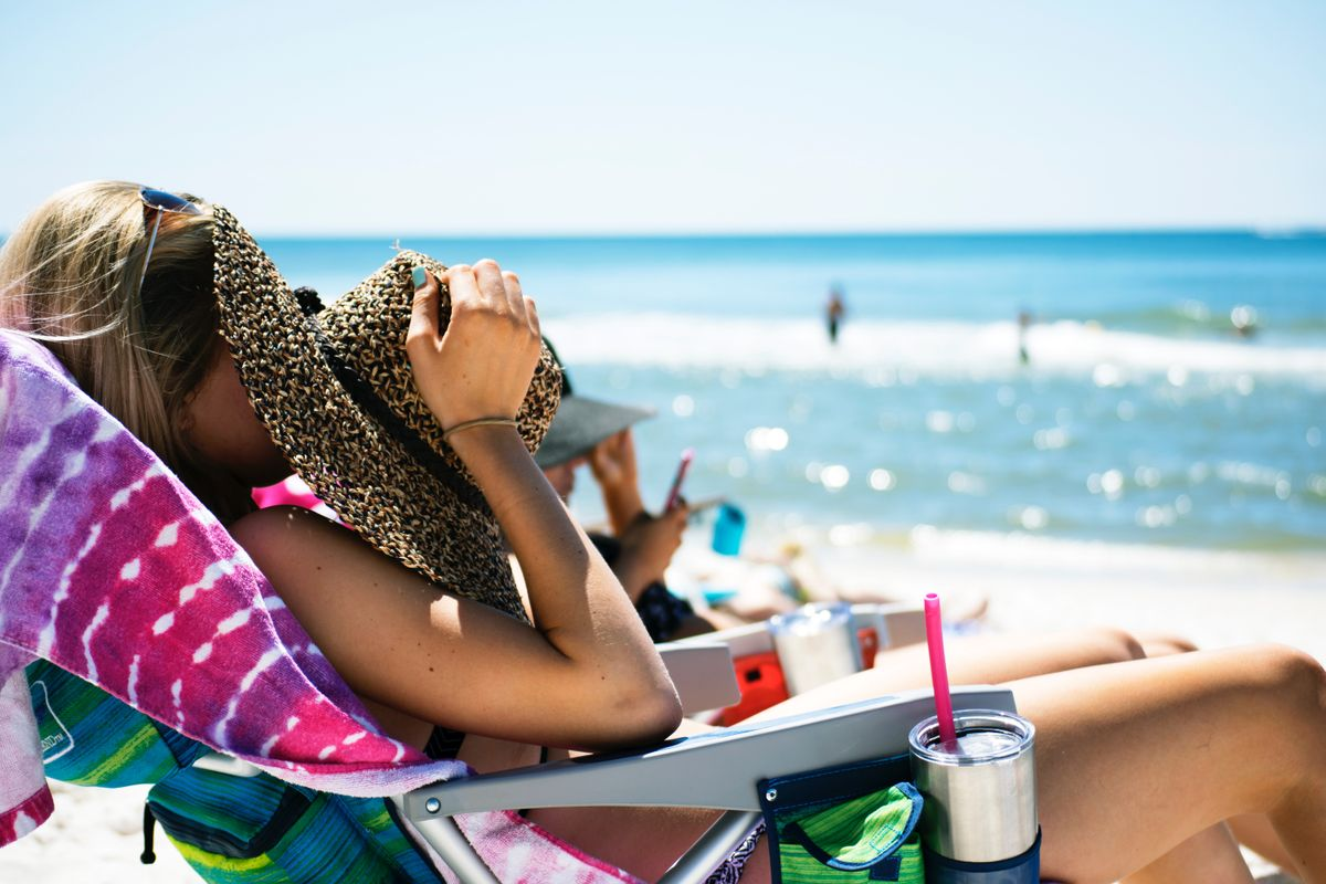 7 Self Tanning Tips For The Pasty White Girl Who's Not Down To Damage Her Skin