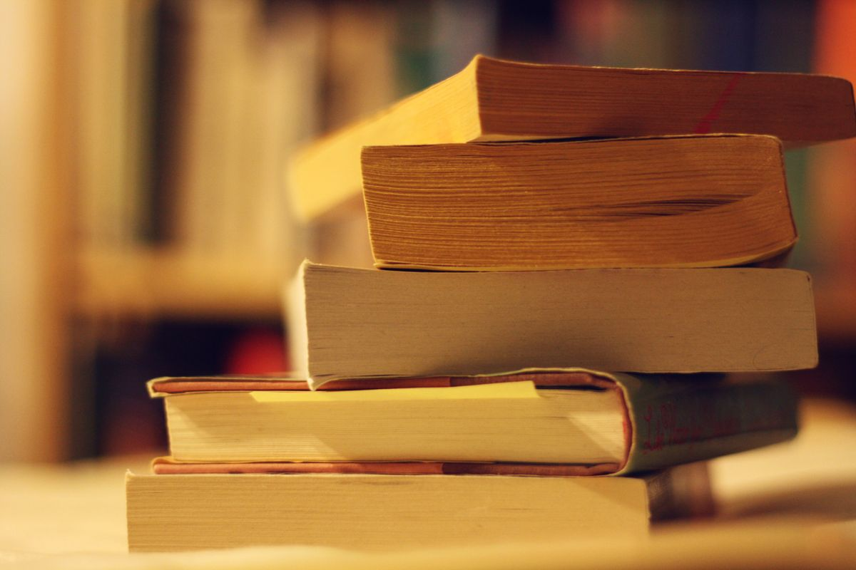 6 Books Everyone Should Read