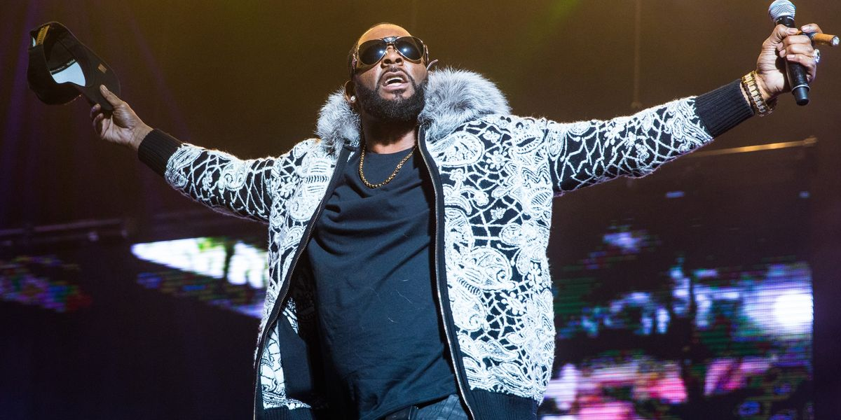 R. Kelly's Team Just Quit Their Jobs