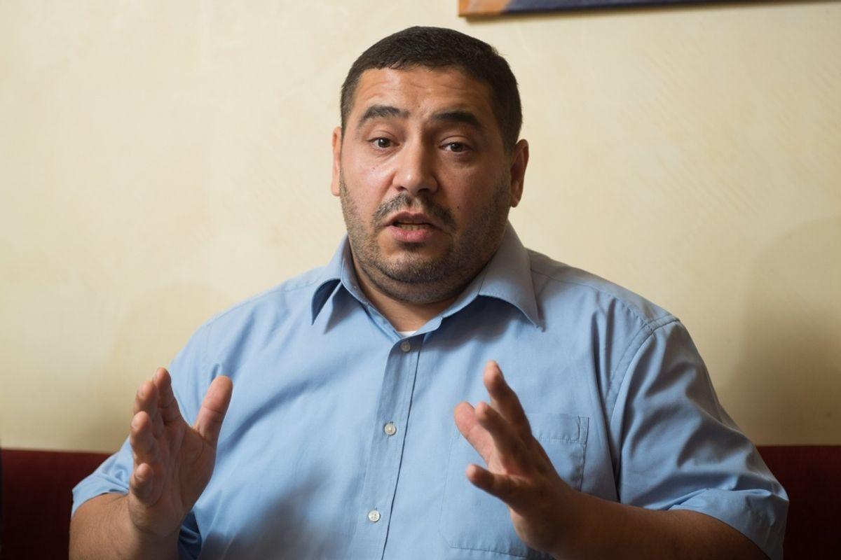 Il capo del primo partito islamico rifiuta di guardare in faccia le donne