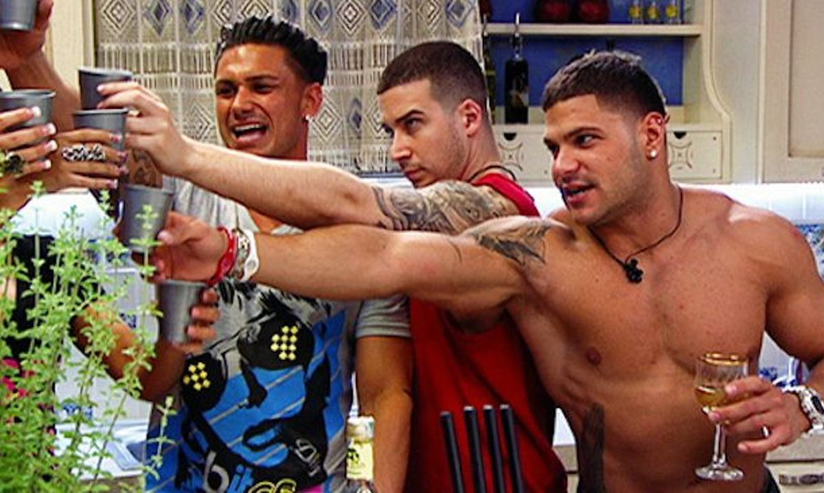 The Month Of April For A College Student, As Told By The Cast Of 'Jersey Shore'