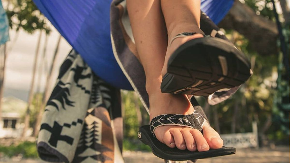 13 Instances In Which Chacos Are The Perfect Summer Shoe For A Summer Lady