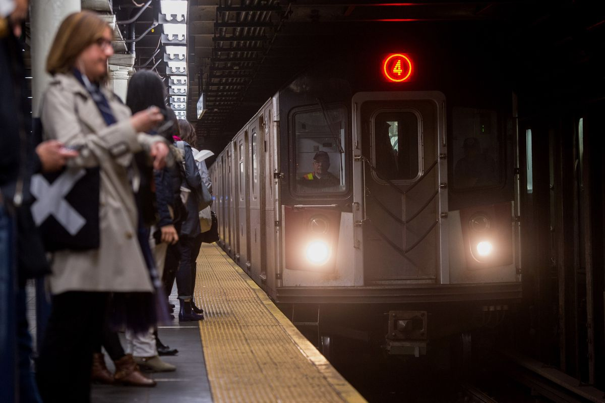 10 Struggles That Every New Yorker Who Takes the Subway Can Relate To