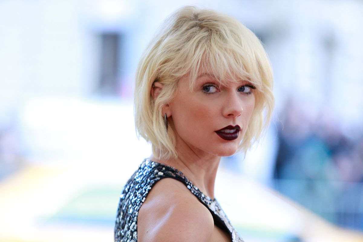 Taylor Swift Explains the Whole Snake Thing