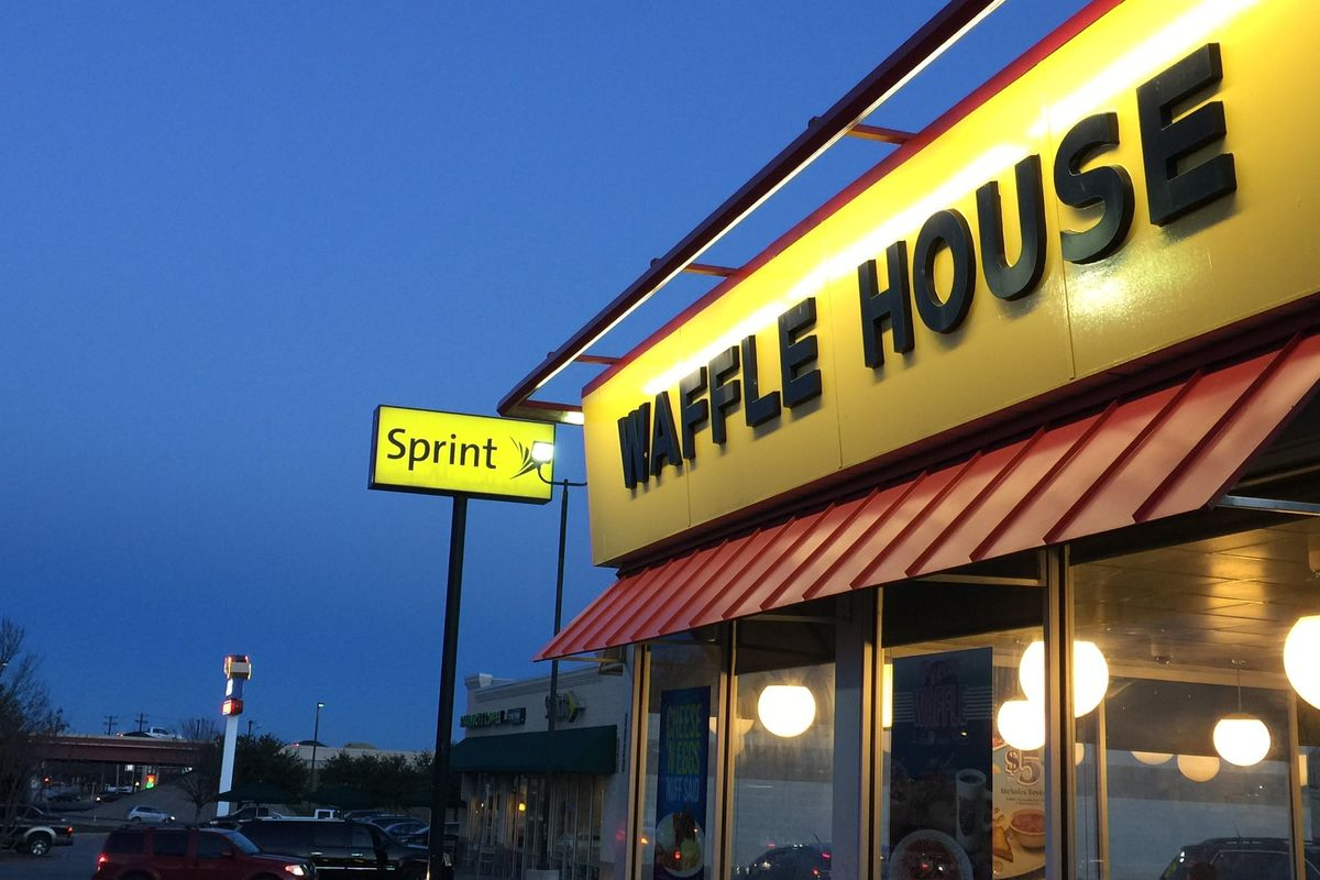 Young Black Man Violently Arrested at Waffle House After Prom