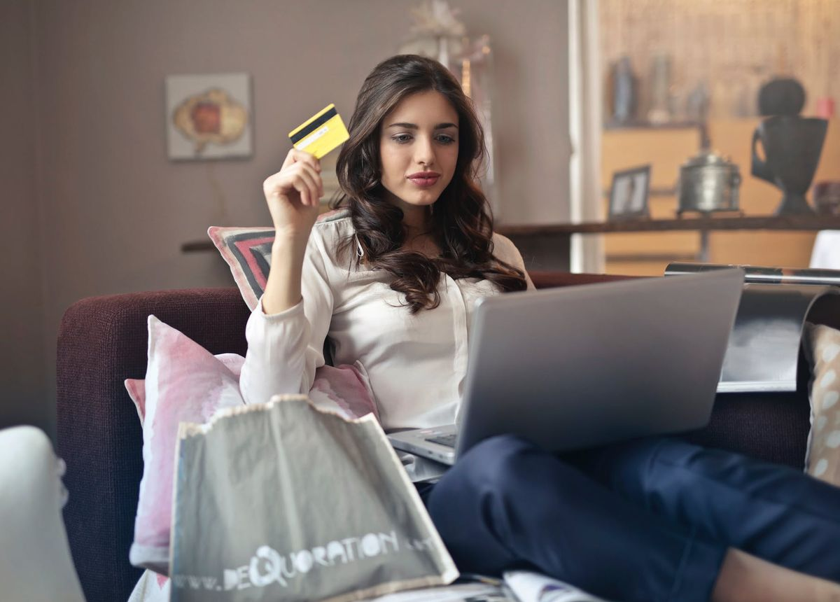 6 Cheap Places To Shop Online Because There Are So Many Perks Of Online Shopping