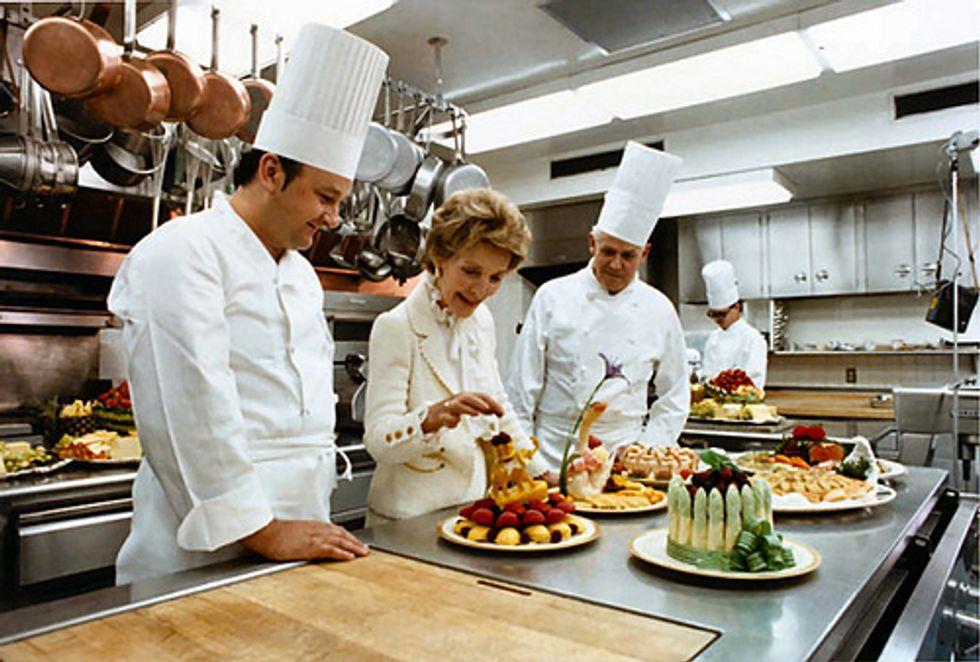 Making Thanksgiving 'Monkey Bread' With Nancy Reagan