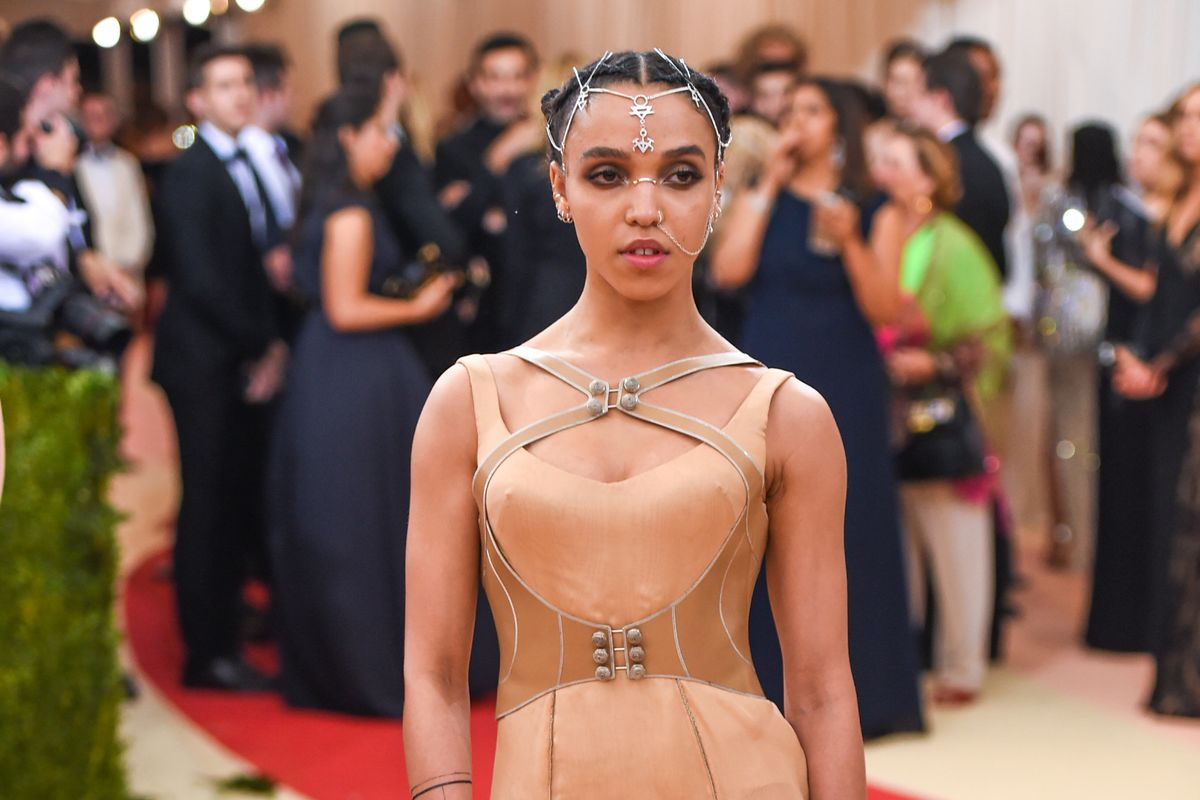 FKA twigs Is Pioneering Instagram Art With Her Latest Zine