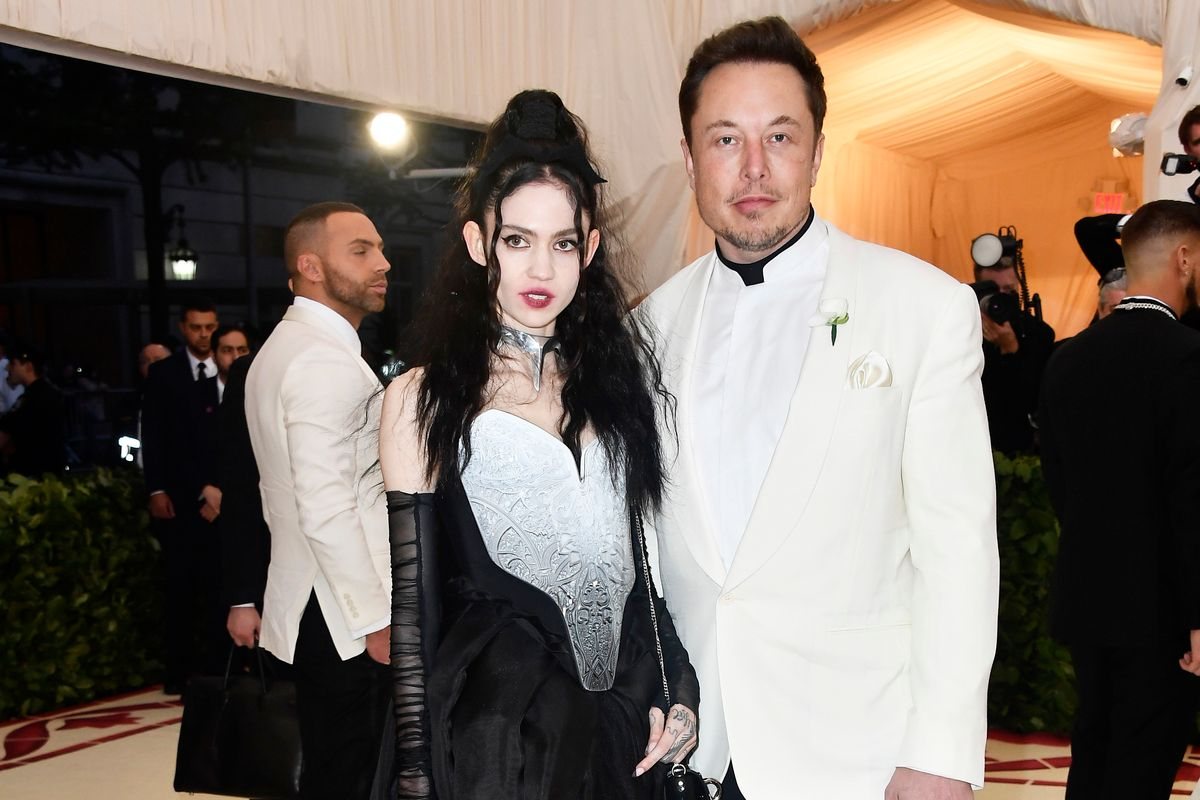 Grimes and Elon Musk are Dating, Because 2018 Is Doing the Most