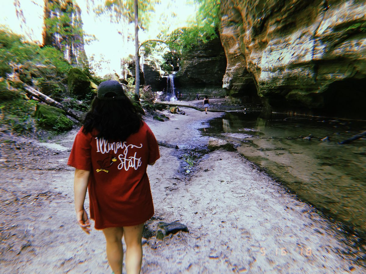 5 Instagram Worthy Places In Illinois That You Should Hike This Summer