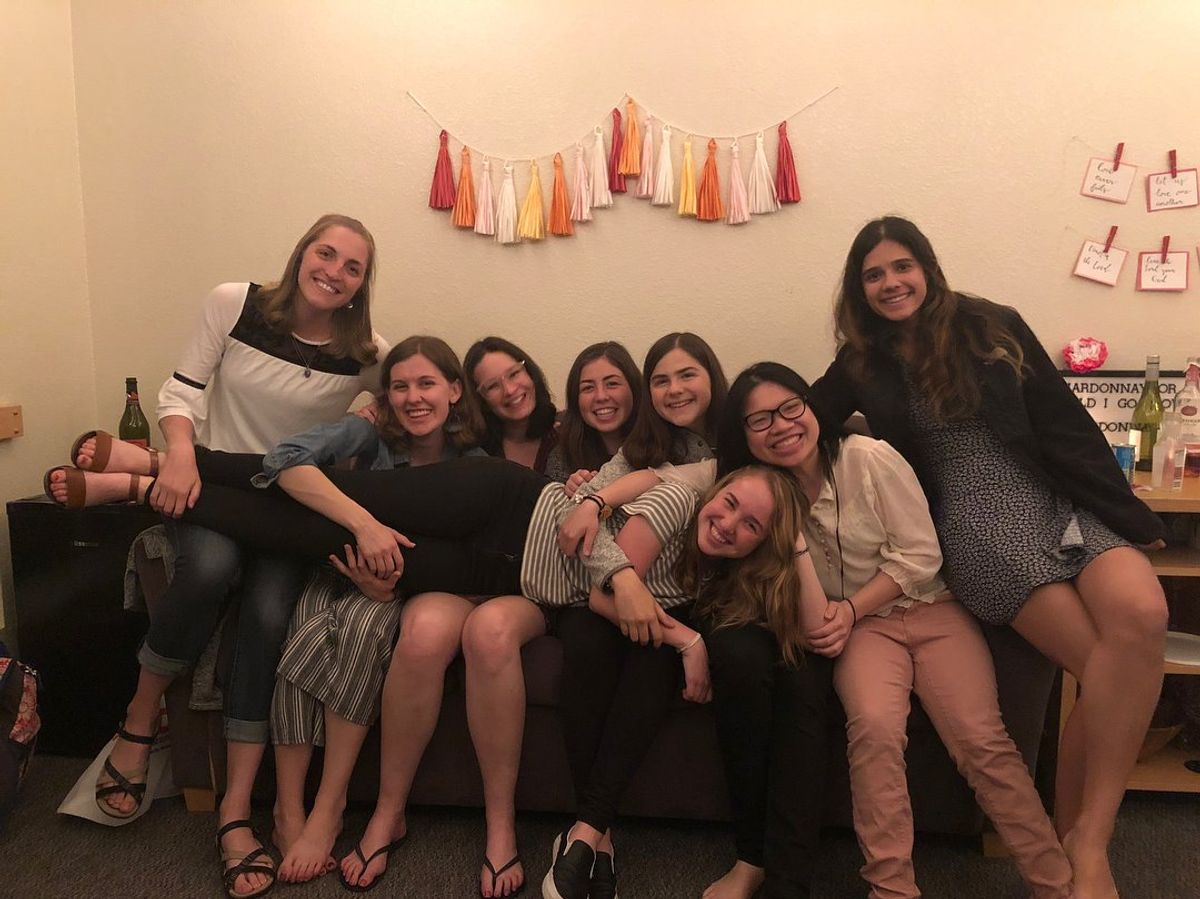 Long-Distance Friendships NEED To Be Part Of Every College Girl's Social Circle
