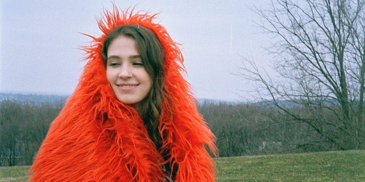 Viral Pop Singer Clairo Was Raised on the Internet