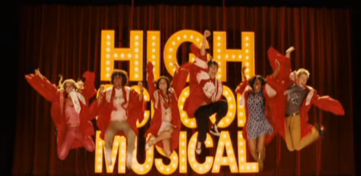 15 Things About 'High School Musical 3' That'll Now Make You Go, 'What?'