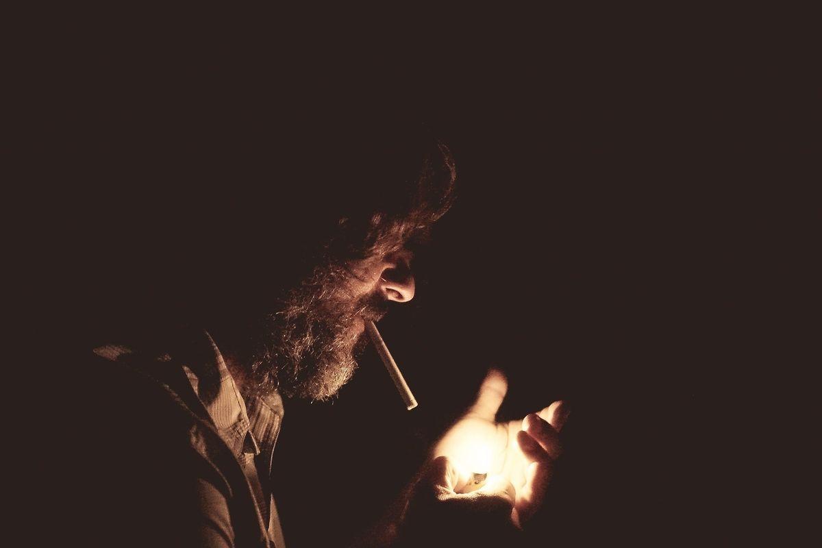 Si mette pure l'Ue ad alzare le tasse sul fumo