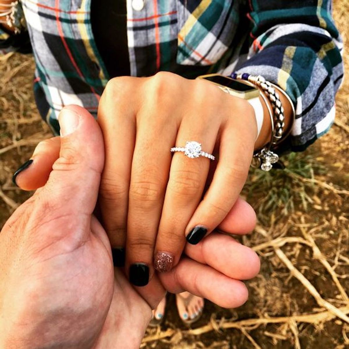 5 Kinda ~Subtle~ Ways Women Hint It's Time To Put A Ring On It