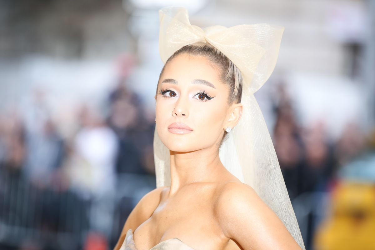 Ariana Grande Is Teasing Bits of Her Album Cover