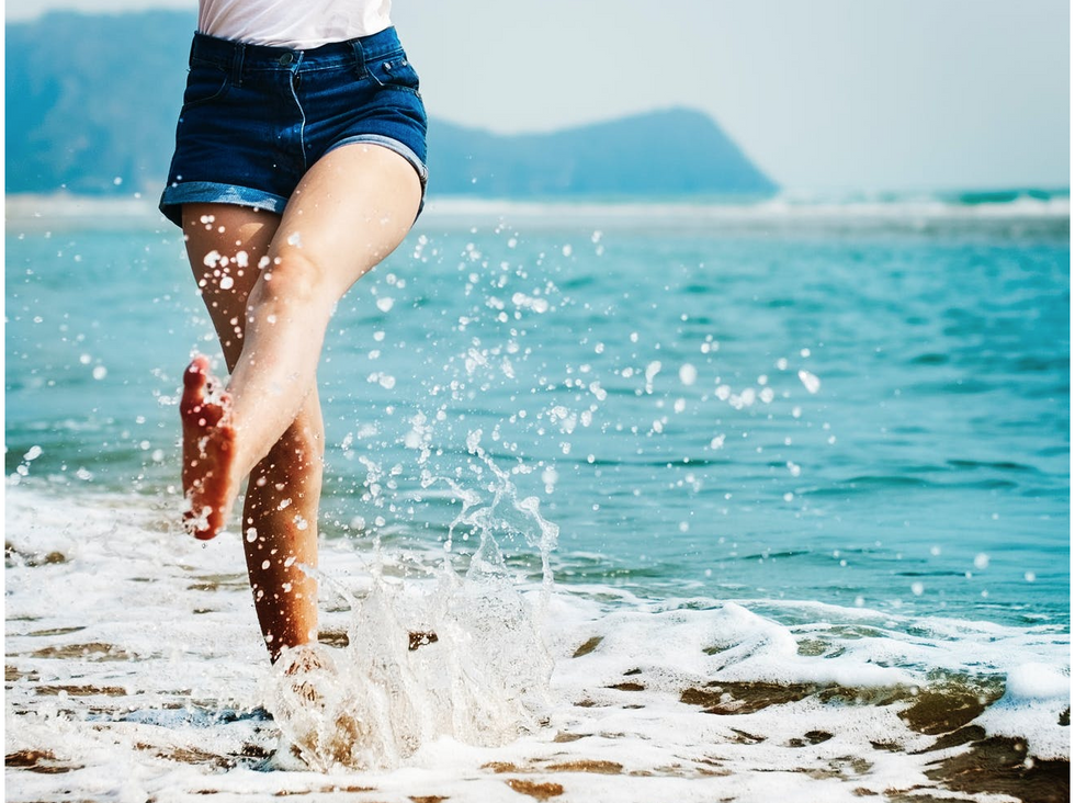 16 Items For An Attainable Summer Bucket list For Every College Girl
