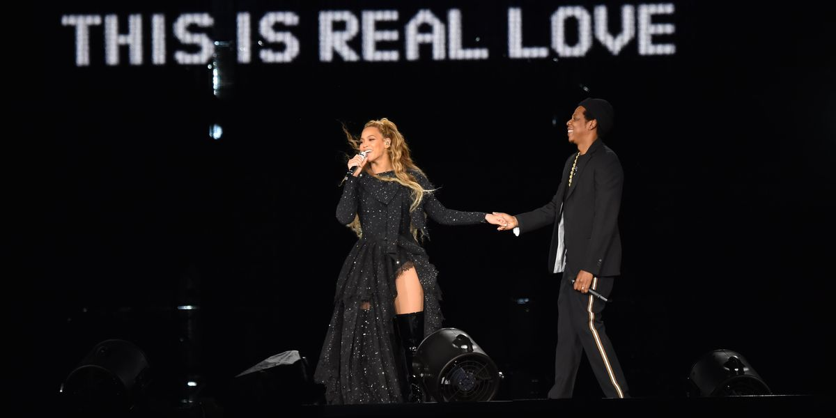 Beyoncé and Jay Z Reveal Steamy Photos at 'On The Run II'