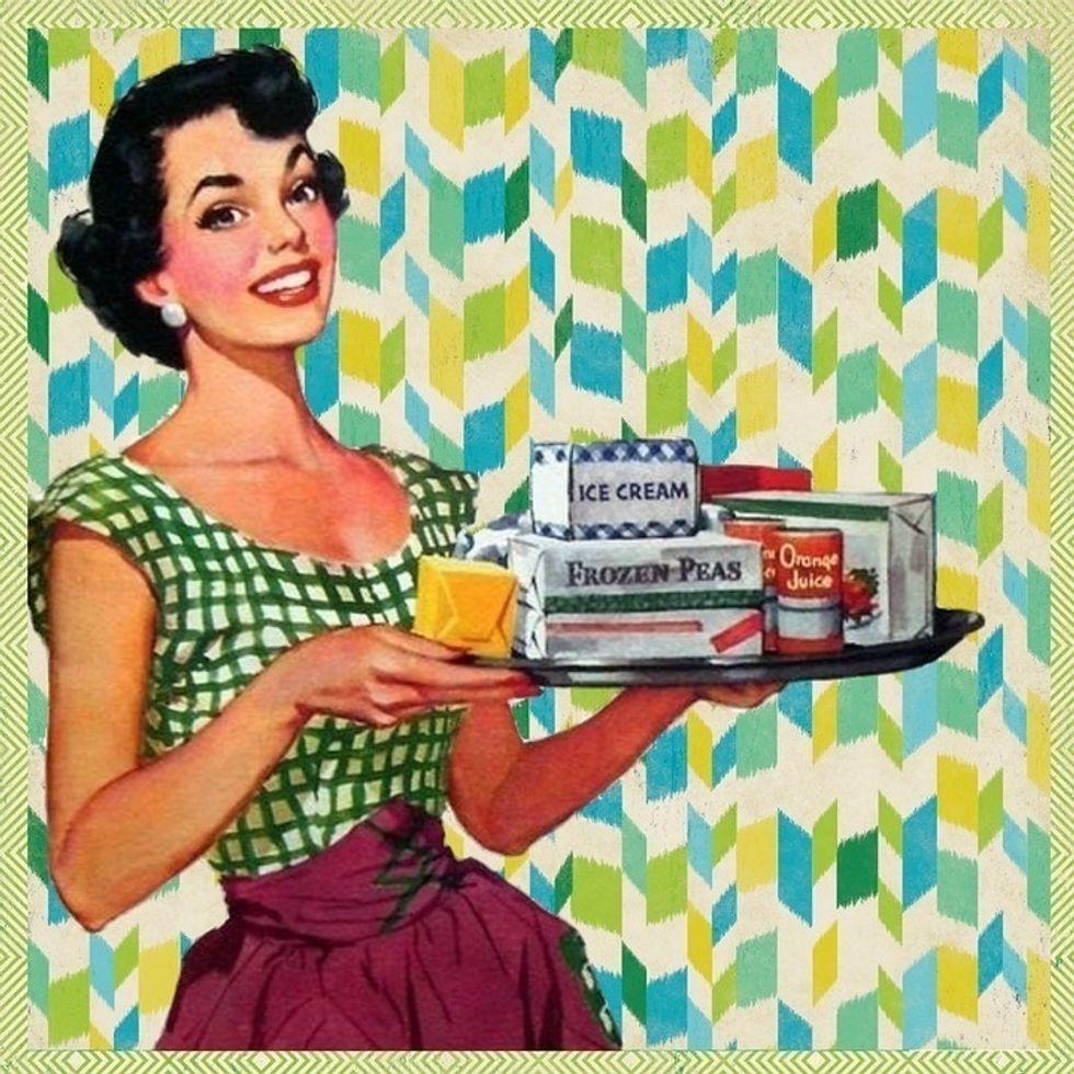https://pixabay.com/en/retro-woman-kitchen-housewife-1353267/
