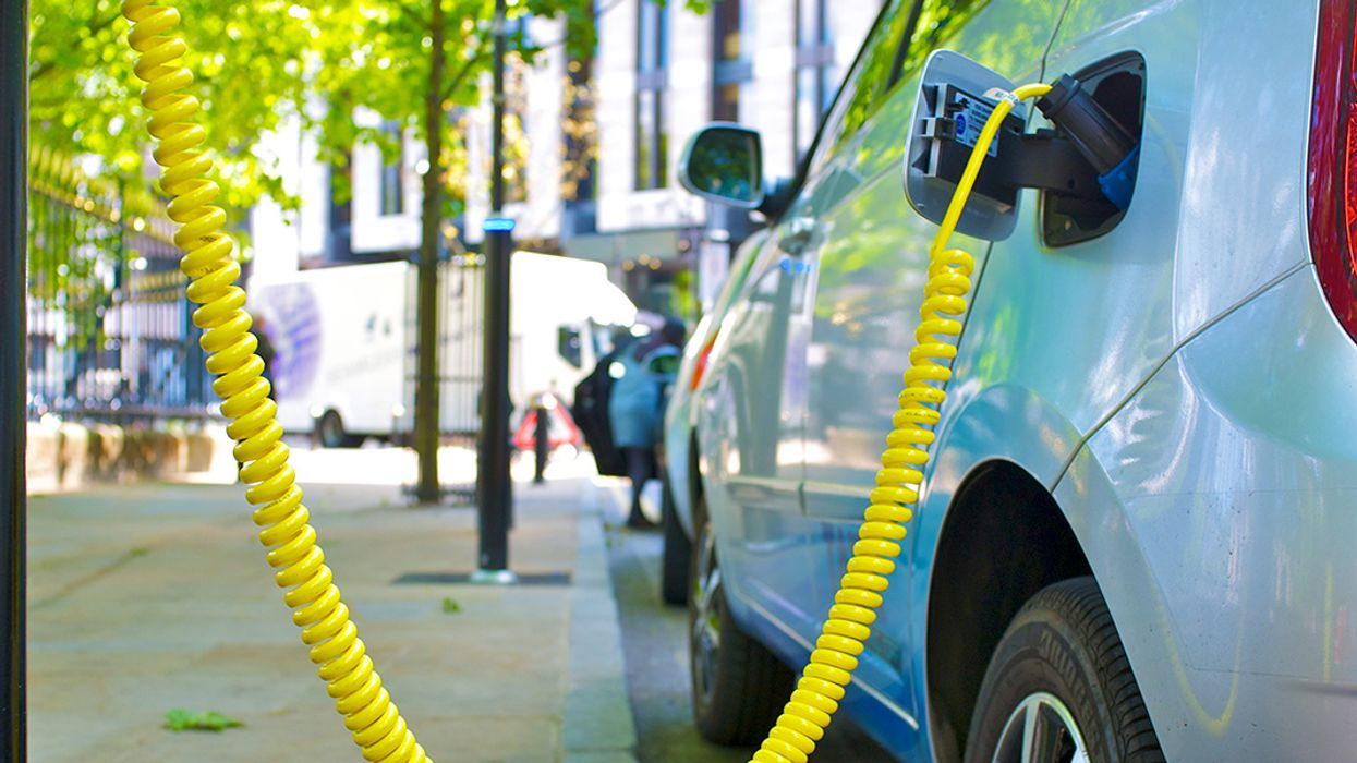 Rapid Rise of UK Electric Vehicles Sees National Grid Double Its 2040 Forecast