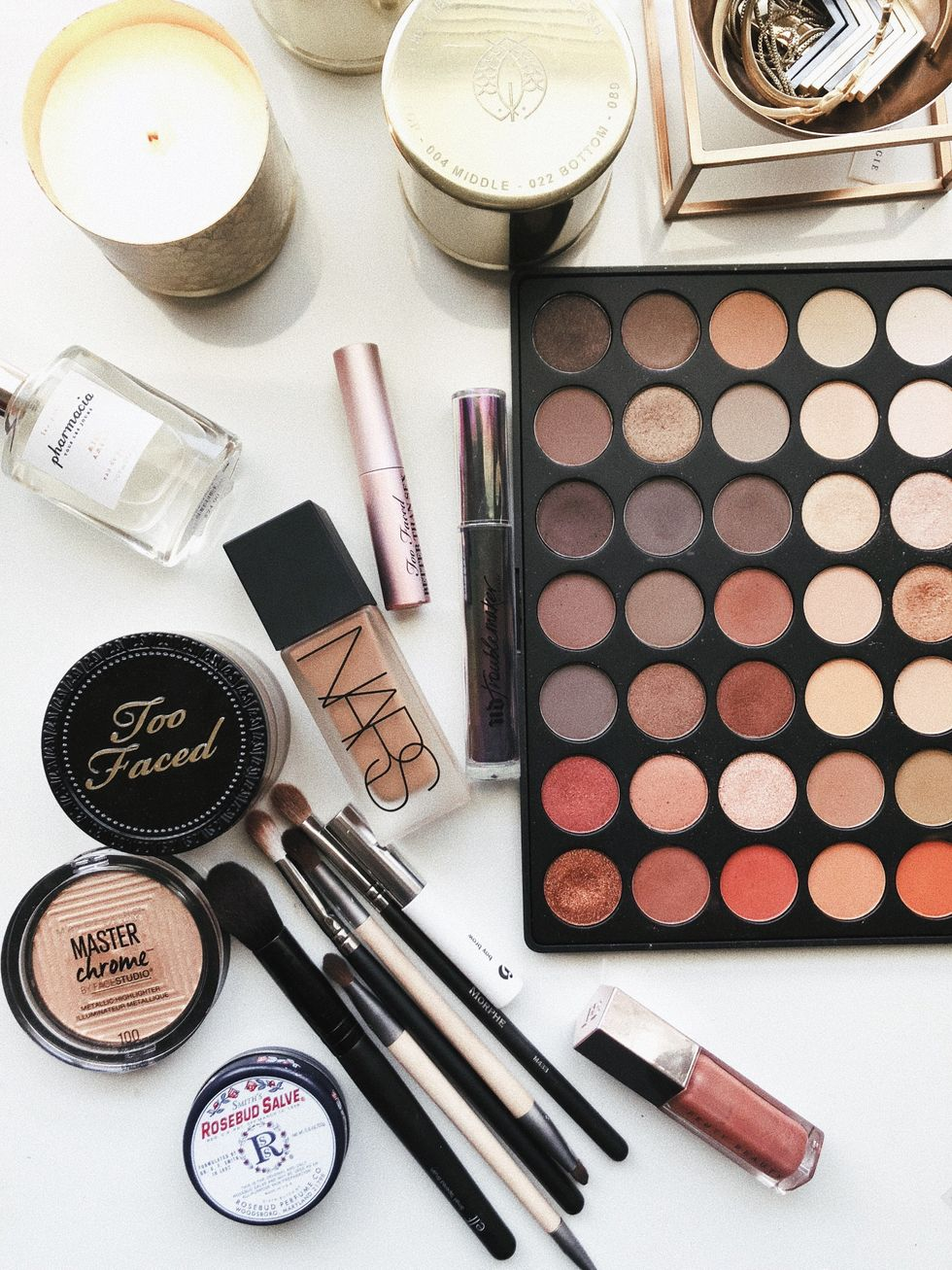 10 Easy Tips To Keep Your Makeup Fresh This Summer
