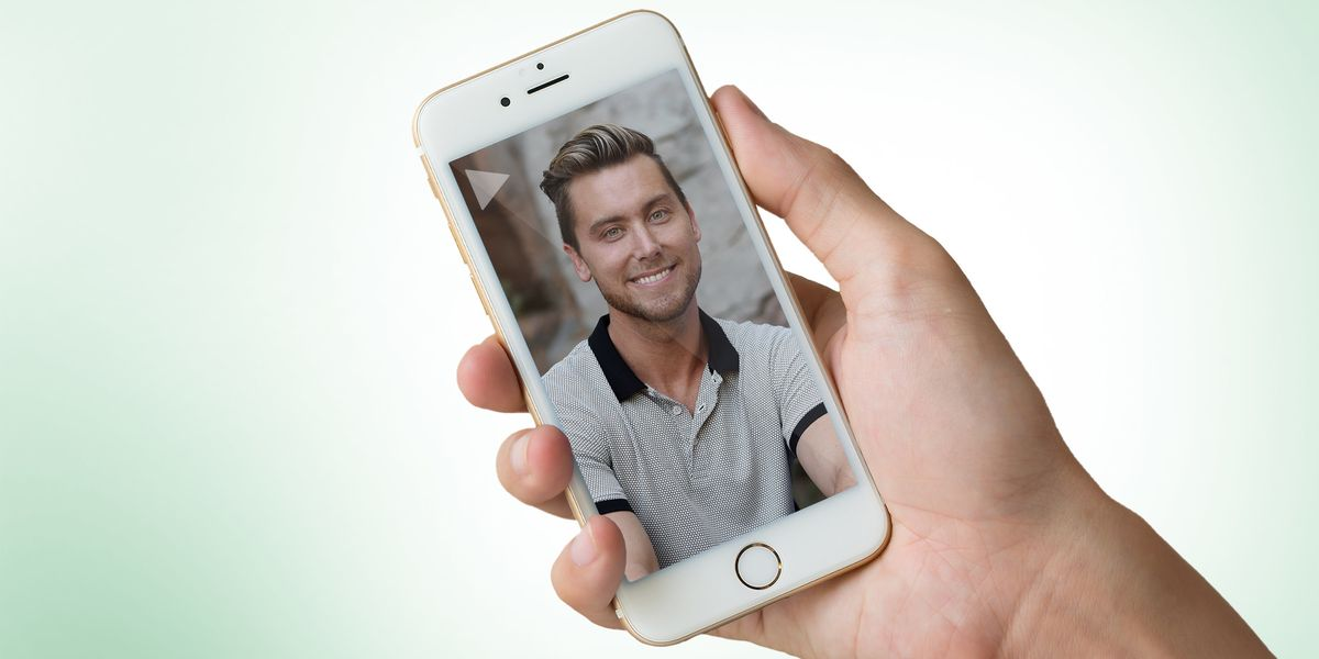 Sort of Dark: You Can Order Personal Messages From Celebs