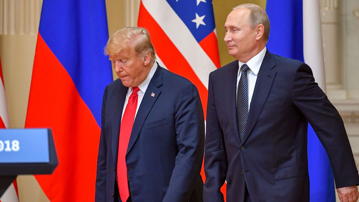'Traitor' Trump 'Colludes' With Putin Over Oil