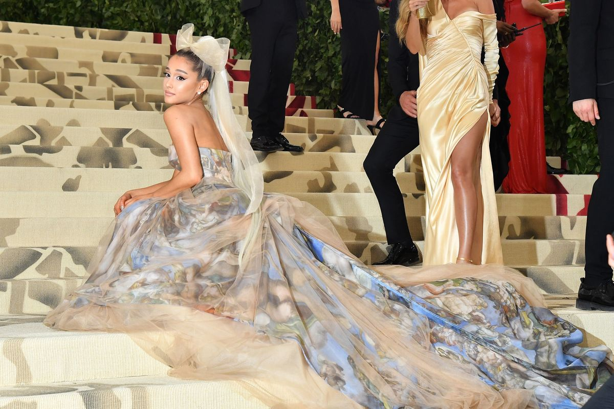 3 Iconic Ariana Grande Ponytail Looks Of Late