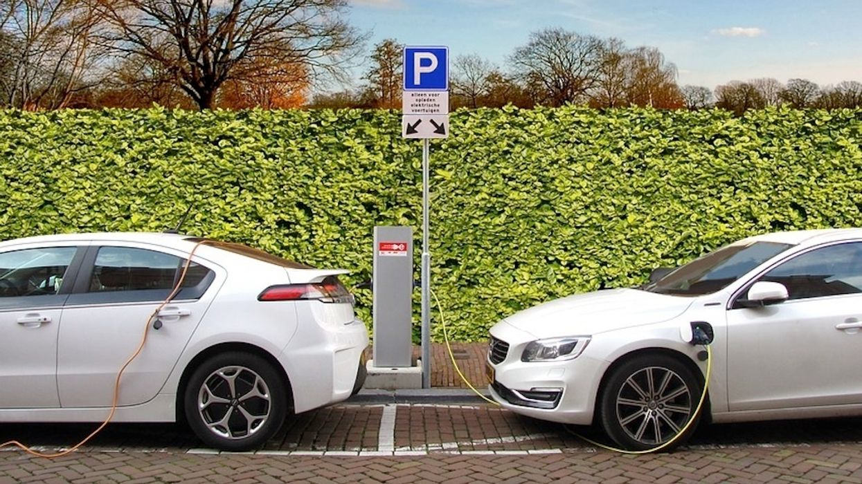 Uber to Boost EV Network With Driver Incentives