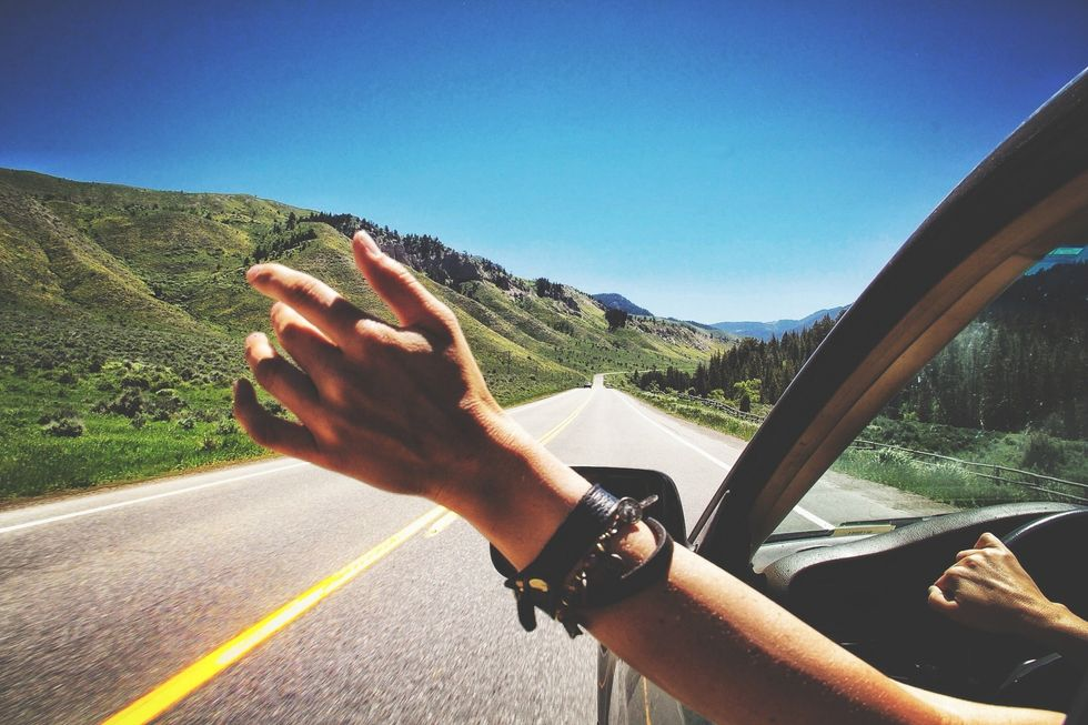 5 Good Songs To Listen To On A Road Trip