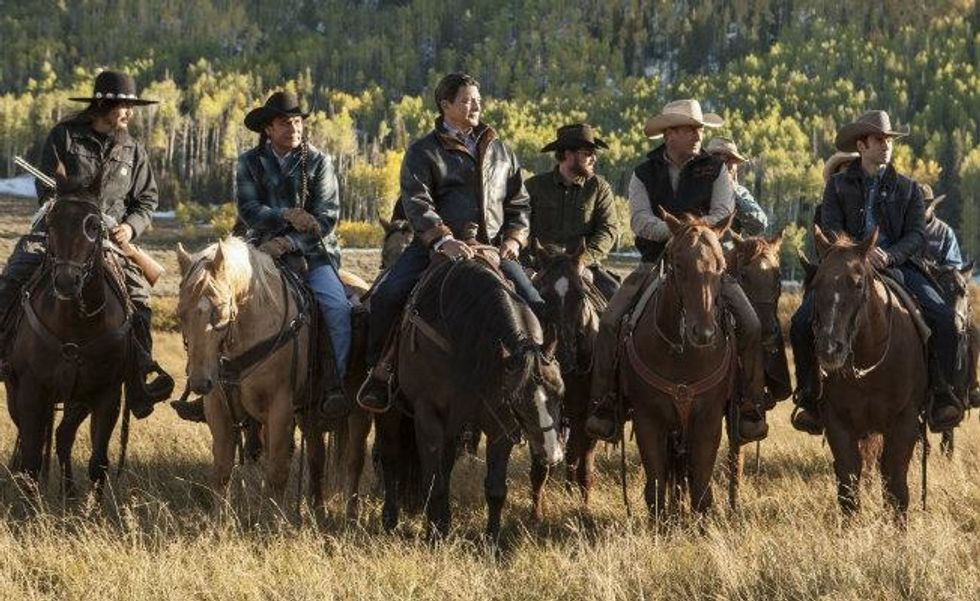 """5 Reasons why you should watch the new television series """"Yellowstone"""""""