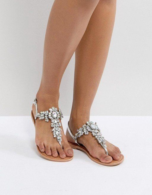 63829b24cdf Top picks for day-to-night sandals for women this summer. - Topdust