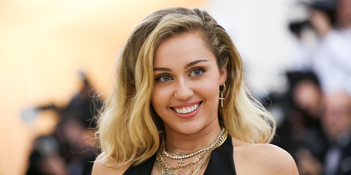 Miley Cyrus Is Raising Money for Migrant Families