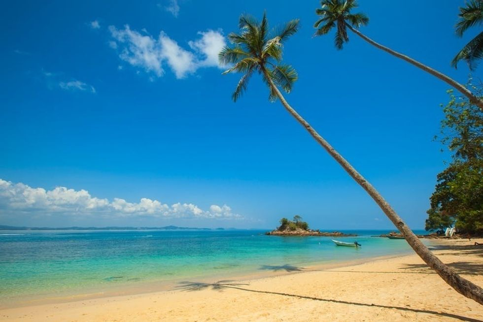 https://www.pexels.com/photo/beach-vacation-sand-summer-88212/