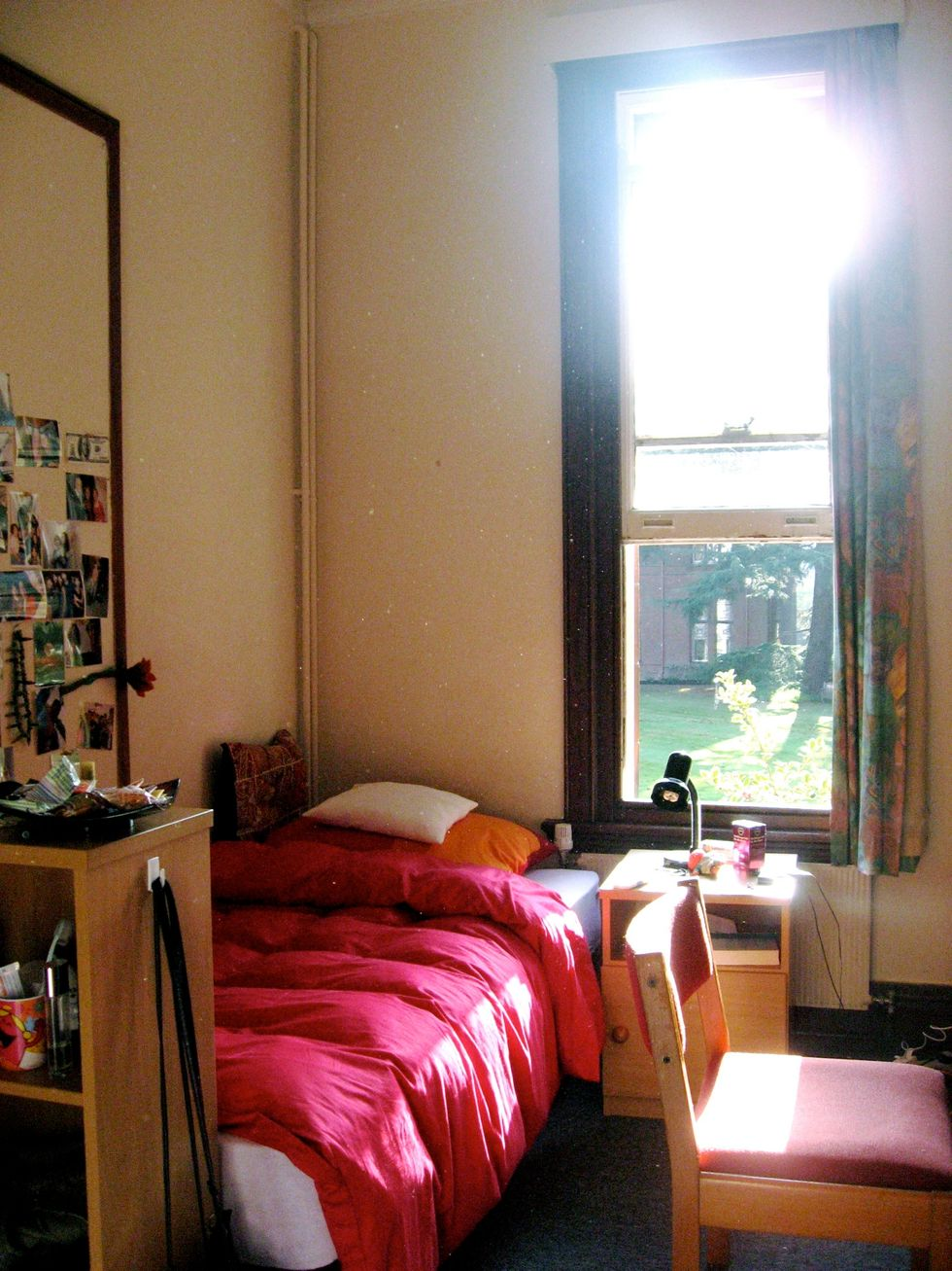 Being Honest With Your Roommate Right Off The Bat Can Drastically Change How Your Year Goes