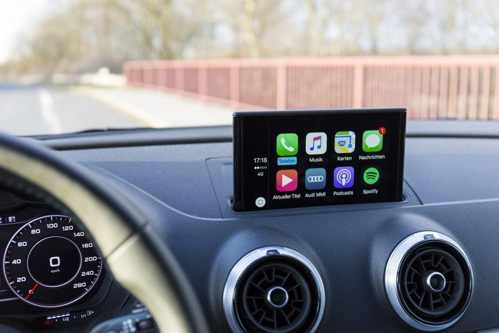 Contrary To Popular Belief, Up And Coming Infotainment Systems Are Making Us Worse Drivers, Not Better