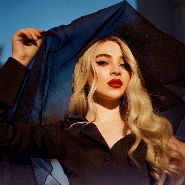 Sabrina Carpenter Turns Men to Stone in 'Almost Love'