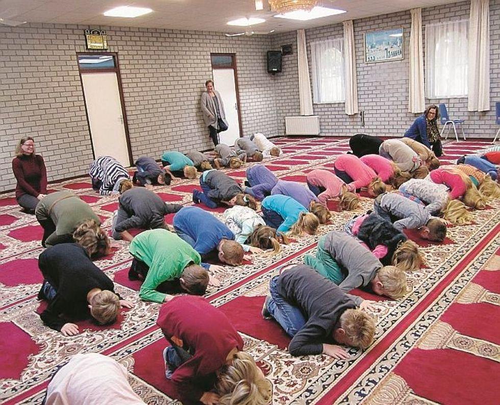Alunni olandesi condotti a visitare le moschee e gridare «Allah Akbar»