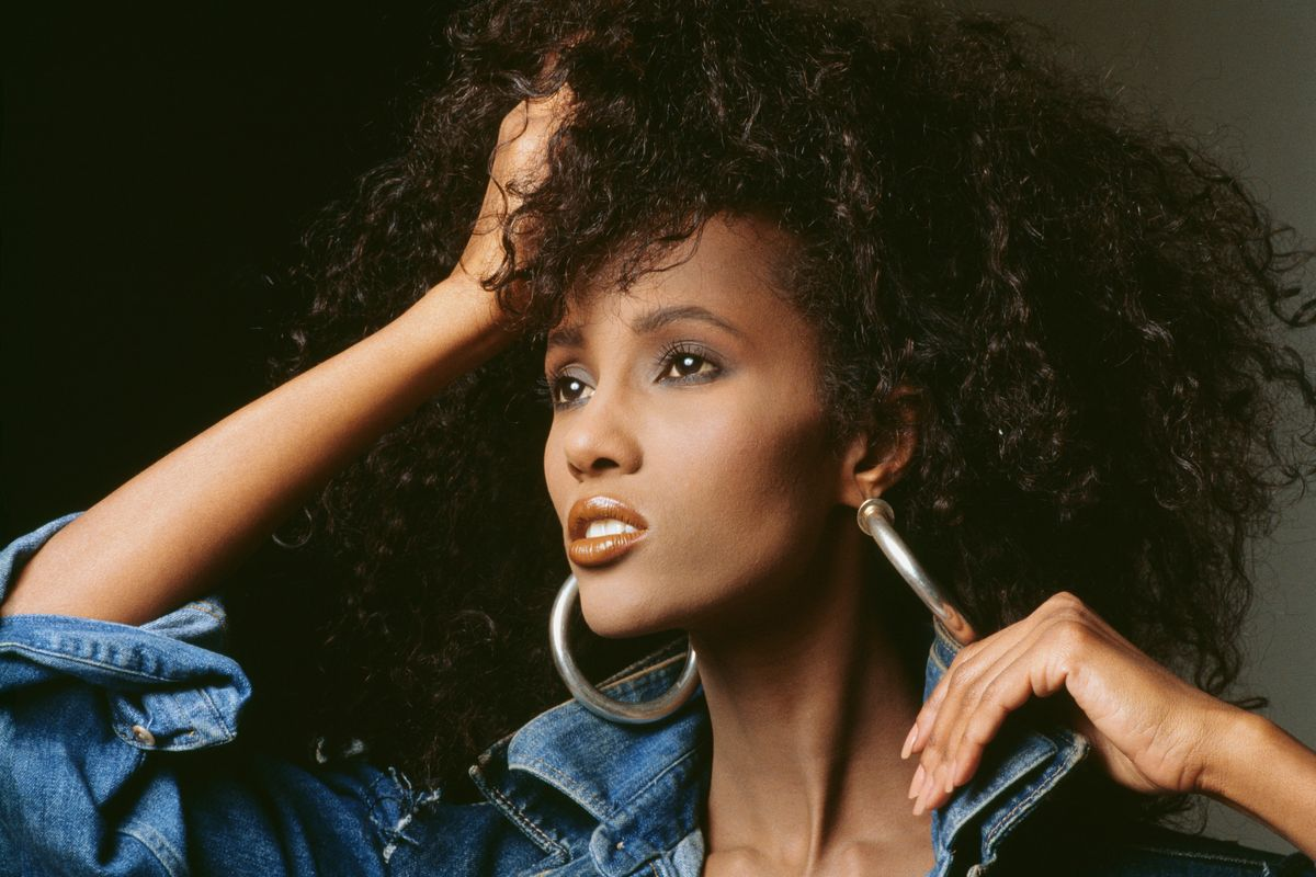 10 Iconic Fashion Moments From Supermodel Iman