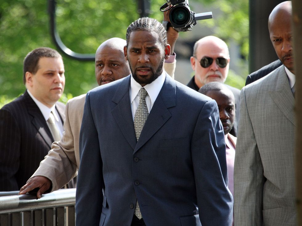 https://nationalpost.com/entertainment/music/he-is-a-puppet-master-r-kelly-accused-of-holding-women-prisoner-in-abusive-sex-cult