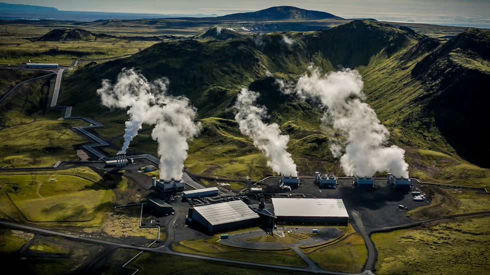 Technology That Sucks CO2 From Ambient Air is Already Used Commercially in Switzerland and Iceland