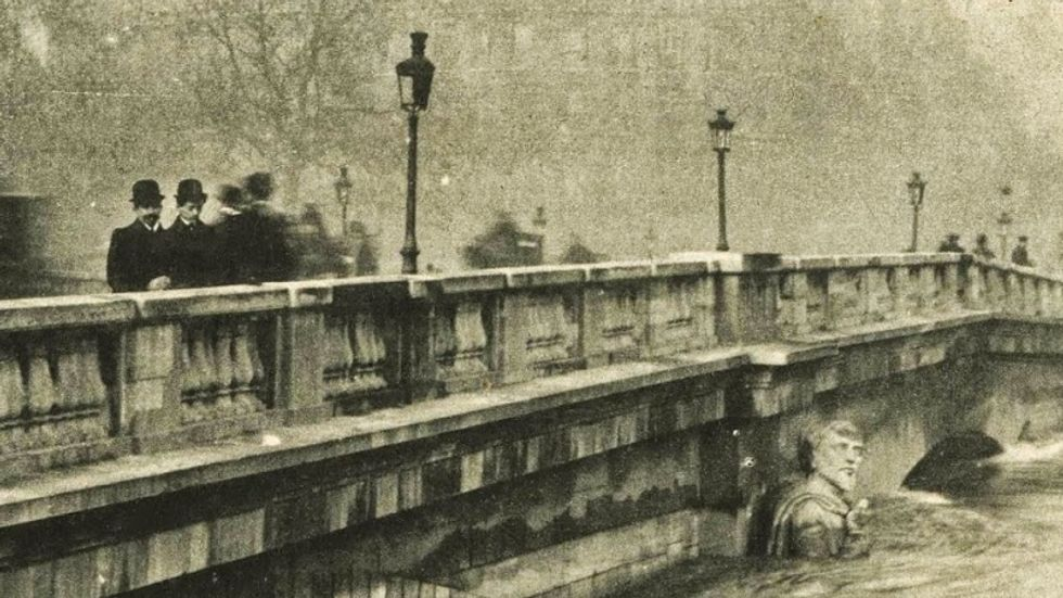 Since 1910, this statue has warned Parisians about flooding