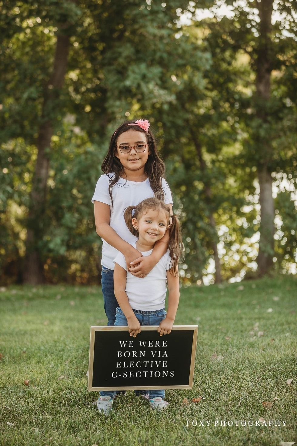 e7b4a05a7cd72 This photographer's 'anti mom-shaming' pics go viral - Motherly