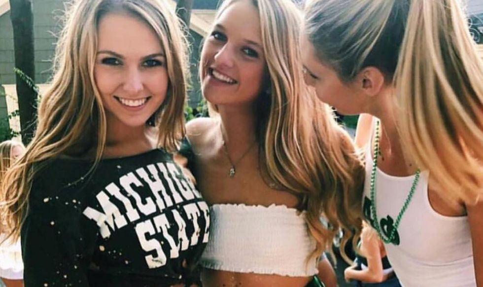 7 Cute Tailgate Outfits For Lazy College Girls, Because Saturdays Are For Being Comfortably Cute